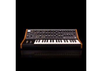 Moog Subsequent 37 - Analog Synthesizer